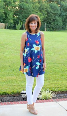 Cyndi Spivey From Grace Beauty In Leggings How To Wear Leggings Over 40 Pinterest The