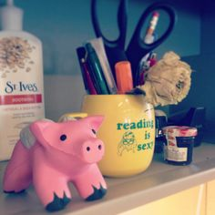 Assistant News Editor Jessica Hullinger keeps a piggy companion on her desk. #myawesomedesk