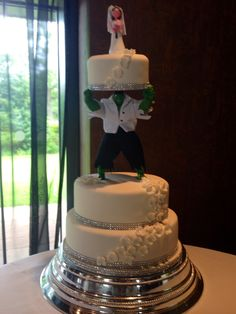 Hulk wedding cake I know its not a party cake but wow this is awesome! Groom's cake