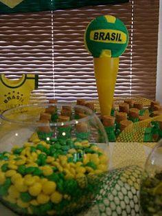 M&M verde amarelo