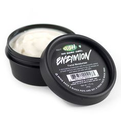 LUSH Enzymion Mattifying fruit moisturizer