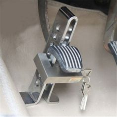 Cheap lock security, Buy Quality lock device directly from China lock brake Suppliers: CHIZIYO 2017 Hot Sale Reliable Alloy Steel Anti-Theft Lock Security Supplies Device Auto Car Clutch Brake Lock Auto Jeep, Vw Lt 4x4, Accessoires 4x4, Vw T3 Camper, Rear Window Decals, Diy Gutters, Vw T3 Syncro, Volkswagen Transporter, American Flag Decal