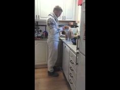 This Cat Makes His Owner Do This Adorable Goodbye Ritual Every Time He Leaves Home