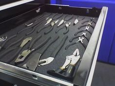 Now that's how you organize a tool box.