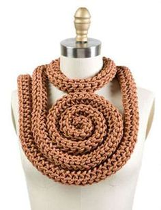 Heavy duty cable necklace