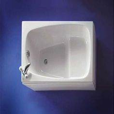 Small Bath 36L x 30W x 32H great for a tiny home. Similar to Four Lights Oforo or a Japanese oforo soaking tub. Price $489. Contact doug@builder-usa.com if interested #bathware: