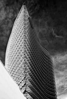 Wavy building by Juan Simon on Fotoblur   Architecture Photography #architecture ☮k☮
