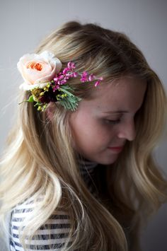 The Alison Show: Easy Floral Hairpiece DIY Tinge Floral