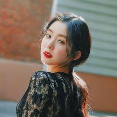 ♡ pinterest: @kimmiecla ♡ Irene Red Velvet, Red Velvet Joy, Seulgi, Kpop Girl Groups, Korean Girl Groups, Kpop Girls, Red Velet, Rapper, Ulzzang Girl