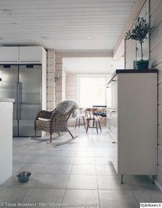 keittiön sisustus,keinutuoli Scandinavian Home, Home And Living, Furniture, House, Kitchen, Home, Interior, Home Decor, Log Home Living
