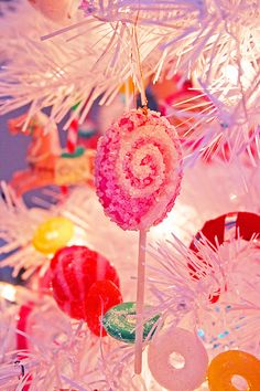 Candyland Christmas - growing up, I loved our lollipop ornaments. A couple have survived. Candy Land Christmas, Candy Christmas Decorations, Christmas Tree Themes, Pink Christmas, All Things Christmas, Christmas Tree Ornaments, Vintage Christmas, Christmas Holidays, Christmas Crafts