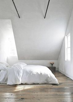 = bedroom loft and wide floorboards