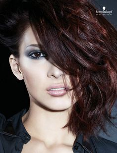 Glam Chic (Medium). Essential Looks Spring-Summer 2013. Schwarzkopf Professional.-pin it by carden
