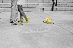 Teryn and Corey had an intimate courthouse wedding with a yellow color scheme. Check out their simple yet elegant ceremonial photos