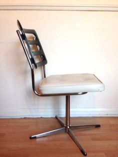 Mid Century Swivel Chair Space Age Vintage chair Office Vintage Chairs, Space Age, Chrome Plating, Swivel Chair, Mid-century Modern, Bob, Mid Century, Retro, Furniture