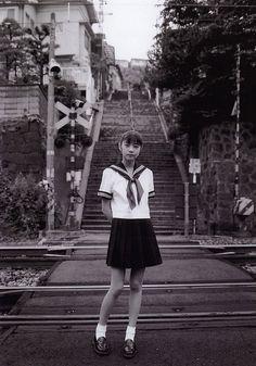 likebookends:    芳賀優里亜