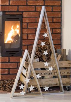 17 diy simple and beautiful christmas wood – Home . 17 diy simple and beautiful christmas wood – Home Decor Christmas Tree Painting, Wood Christmas Tree, Winter Christmas, Christmas Ornaments, Outdoor Christmas Trees, Christmas Wood Decorations, Diy Christmas Lights, Outdoor Trees, How To Make Christmas Tree