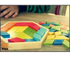 Creativiteit kent geen grenzen! Oneindig speelplezier met 56 gekleurde driehoekige en ruitvormige mozaïekstenen. Het spel wordt geleverd inc...