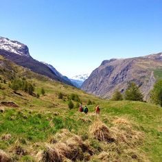 Do you love travelling and exploring the world? We give you the best tips to a nature and culture based adventure trip. Start your next adventure with letsgetlost. Lets Get Lost, Travel Tips, France, Adventure, Mountains, Nature, Naturaleza, Travel Advice, Adventure Movies