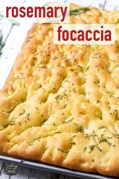 May 2019 - This rosemary focaccia bread is full of delicious olive oil, fresh rosemary, and sea salt flavors. Nothing beats freshly baked bread at home! Easy Bread Recipes, Cooking Recipes, Scd Recipes, Icing Recipes, Shrimp Recipes, Crockpot Recipes, Focaccia Bread Recipe, Homemade Focaccia Bread, Homemade Breads