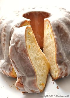 Easter Cake: a traditional Polish Easter cake/bread made with yeast (1) From: Art Kulinaria (2) Webpage has a convenient Pin It Button