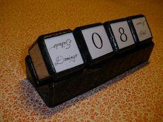 Calendario perpetuo de vidrio y papel