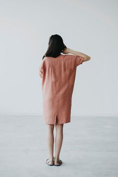 Summer Outfits: Linen dress Motumo by MotumoLinen on Etsy Fashion Mode, Look Fashion, Womens Fashion, Gothic Fashion, Looks Style, Style Me, Fashion Vestidos, Mode Simple, Linen Dresses