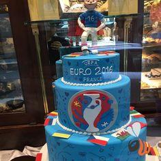 #euro2016 OGGI AL VIA!!!!!   #forzaazzurri #football #calcio #europei #francia2016 #cake #cakedesign #torta @pasticceriacova #beautiful #website #web #logo #design #marketing #work #agency #phooftheday #bestoftheday #picoftheday #milano #milan #follow #womboit