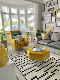 16 ✔️Warm Tones Of The Mustard Furniture Living room decor ideas, remodeling inspiration, house design, warm tone decor idea. Fresh Living Room, Colourful Living Room, Eclectic Living Room, Home Living Room, Small Living, Modern Living Room Colors, Living Room On A Budget, Cozy Living Rooms, Living Room With Bay Window