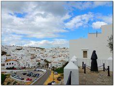 Vejer de la Frontera ( #Cádiz), by @dondevamoseva