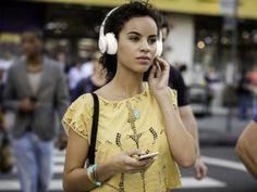 Headphone/Fone de Ouvido JBL Bluetooth - Everest 300 Branco com as melhores condições você encontra no Magazine Voceflavio. Confira!