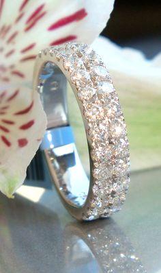 Pretty Diamond Wedding Band, 1,38 ct.
