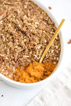 Ahealthier take on traditional sweet potato casserole with a crunchy pecan topping. It's absolutely delicious, vegan and gluten-free! #healthythanksgiving #sweetpotatocasserole #sweetpotato #vegan #glutenfree #cleaneating #healthyrecipe