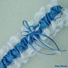 svatební podvazek - modrá+bílá bridal garter blue+ white http://www.fler.cz/zbozi/podvazek-modry-se-srdickem-7013630