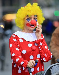 - Naomi Watts and Liev Schreiber Halloween - jacksonleephoto Liev Schreiber, Cute Clown, Circus Costume, Naomi Watts, The Grim, Grim Reaper, Clowns, Harajuku, Wigs