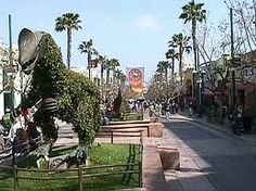 3rd Street Promenade shopping -- best on the west coast -- it's like one GIANT Quincy Market!