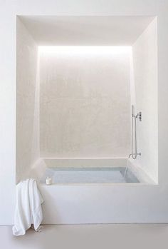 White tub /