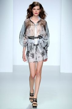Maria Grachvogel Spring 2014 Ready-to-Wear Collection Slideshow on Style.com