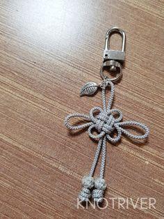 Macrame Knots, Macrame Jewelry, Crystal Jewelry, Diy Jewelry, Jewelry Accessories, Jewelry Making, Decorative Knots, Paracord, Diy Keychain