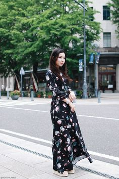 Japanese fashion blogger,Mizuho K,OOTD,SheIn-Black floral maxi dress,I like paper floral watch,Shein Espadrille waysify