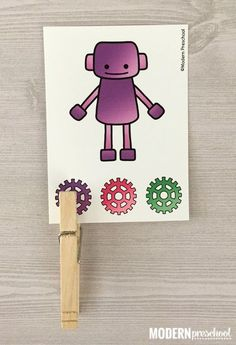 FREE robot color matching clip cards are perfect for toddlers and preschoolers to practice color recognition, visual discrimination, and fine motor skills!
