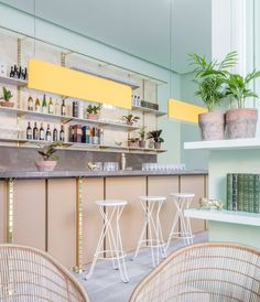 Completed in 2017 in Edinburgh, United Kingdom. Images by Nicholas Worley. Eden Locke is a 72 room hotel with a cafe and bar on the ground floor that we designed in the Scottish capital of Edinburgh. Interior Tropical, Design Studio, Cafe Design, Lounge Design, R Cafe, Edinburgh Hotels, Edinburgh Scotland, Estilo Tropical, Inspiration Design