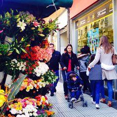 Mañanas invernales de BA - BA winter mornings. Av.Santa Fe 1700. #BuenosAires #Argentina #Esquinas #Corners #Winter #Invierno #Photography #Fotografia #Morning #Streets #People #F4F #Mañana
