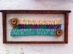 "Notice how they ""share"" the warp threads. Dorset Buttons, Textiles, Loom Weaving, Textile Art, Fiber Art, Tartan, Lana, Tapestry, Knitting"