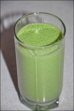 Kefíres zöld turmix Smoothie Recipes, Smoothies, Clean Eating Recipes, Cooking Recipes, Healthy Drinks, Healthy Recipes, Protein Shakes, Diet Tips, Glass Of Milk