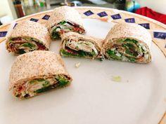 Tortilla wraps- τυρί κρέμα, μαρούλι, χοιρομέρι, χαλούμι Bread Art, Tortilla Wraps, At Home Workout Plan, Burritos, Street Food, Tacos, Food And Drink, Menu