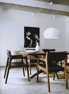 Mode & Maison: Black, white and timber