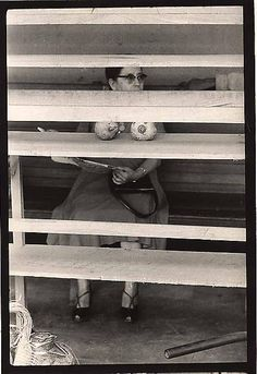 Elliott ERWITT :: Managua, Nicaragua, 1957 Get your mind out of the gutter! Photography Gallery, Book Photography, Street Photography, Robert Doisneau, Documentary Photographers, Best Photographers, Black White Photos, Black And White Photography, Eliot Erwitt