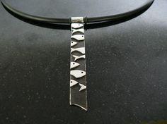 Sterling Silver Fish Necklace por designbyjeramie en Etsy, $170.00