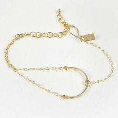 niche bracelet by favor.jpg